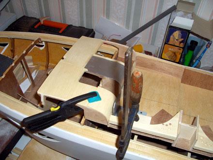 Pose des parties cintrées à l'aide de pinces et serre-joints - 41.3ko